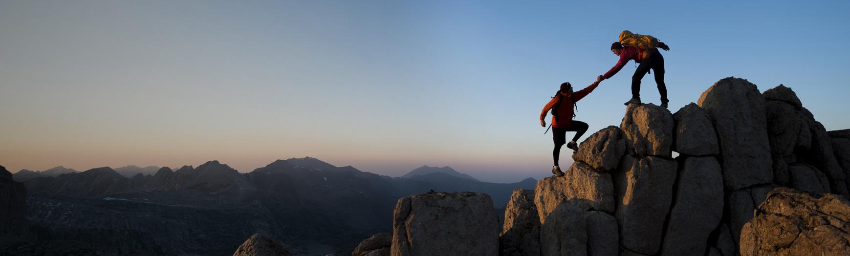 Подниматься на гору – это развиваться интеллектуально, улучшать состояние здоровья, преуспеть на работе, создать крепкую семью.